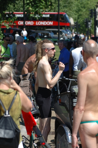 WorldNakedBikeRide London 2006 - staralex photos