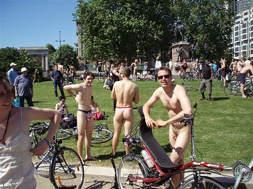 worldNakedBikeRide London 2005 (A Jefferson)